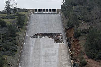 Oroville Dam spillway damage