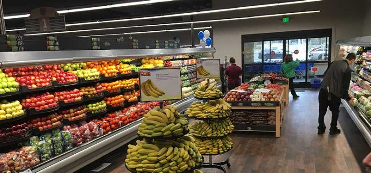 Hoopa Shopping Center produce aisle