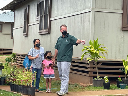 Kunia residents and U.S. Rep. Case